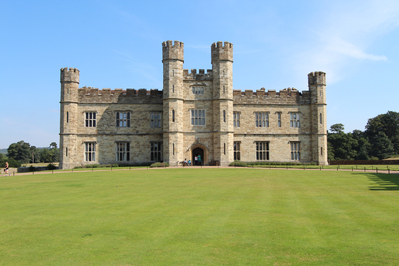 Leeds Castle - Day Trips From London