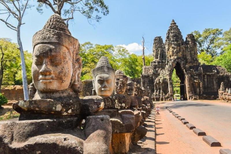 Angkor temples car tour - Angkor temples tours