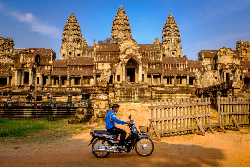 Angkor temples scooter tour - Angkor temples tours