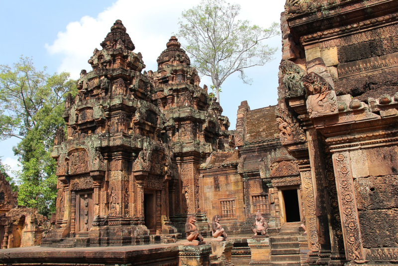 Banteay - Angkor temples tours