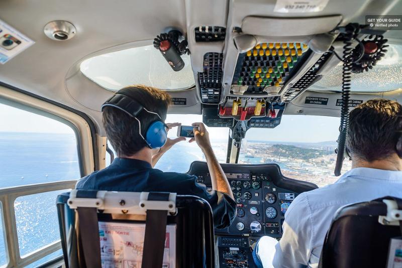 Interno di un elicottero
