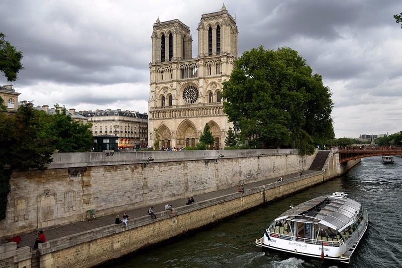 Batobus Seine river cruises