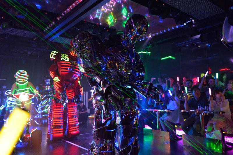 Robot Restaurant show Tokyo travel tips