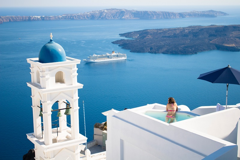 Santorini day trips from Athens