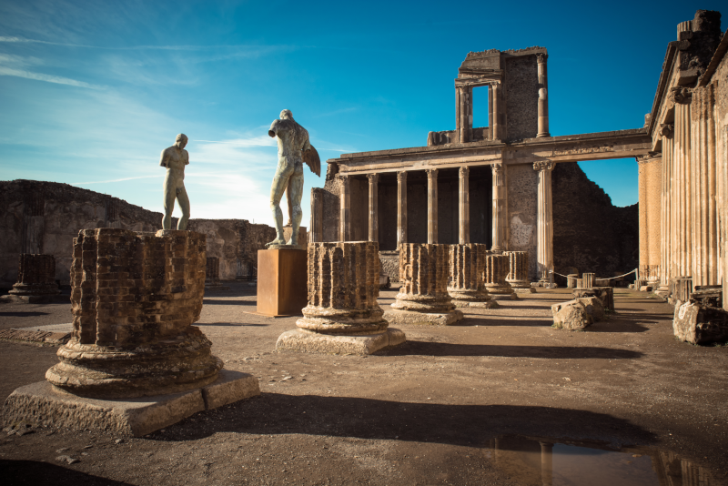 Pompeii day trips from Naples