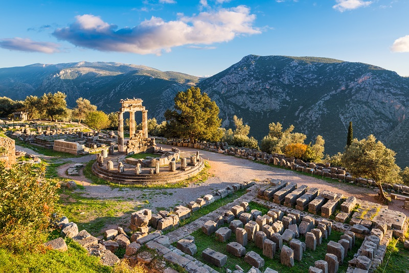 Delphi day trips from Athens