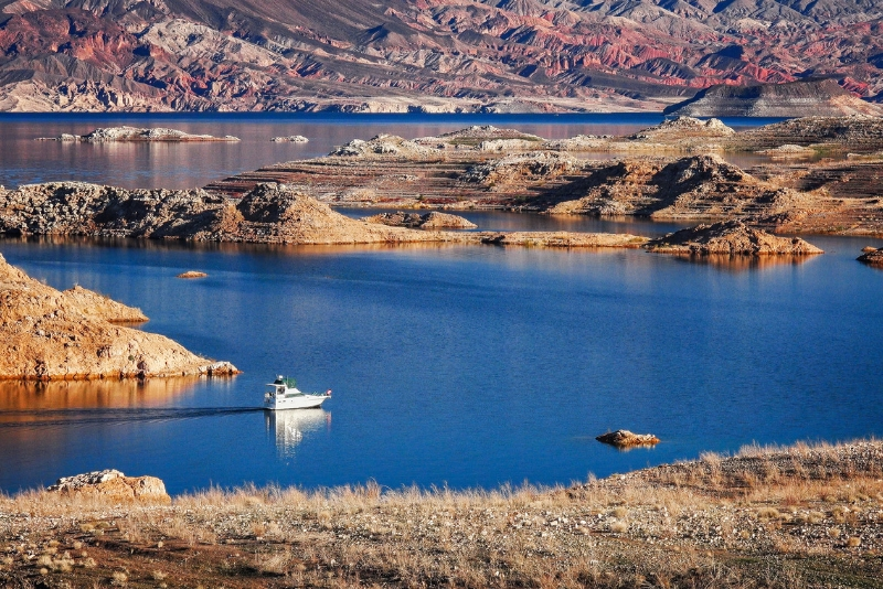 Lake Mead Recreation Area day trips from Las Vegas