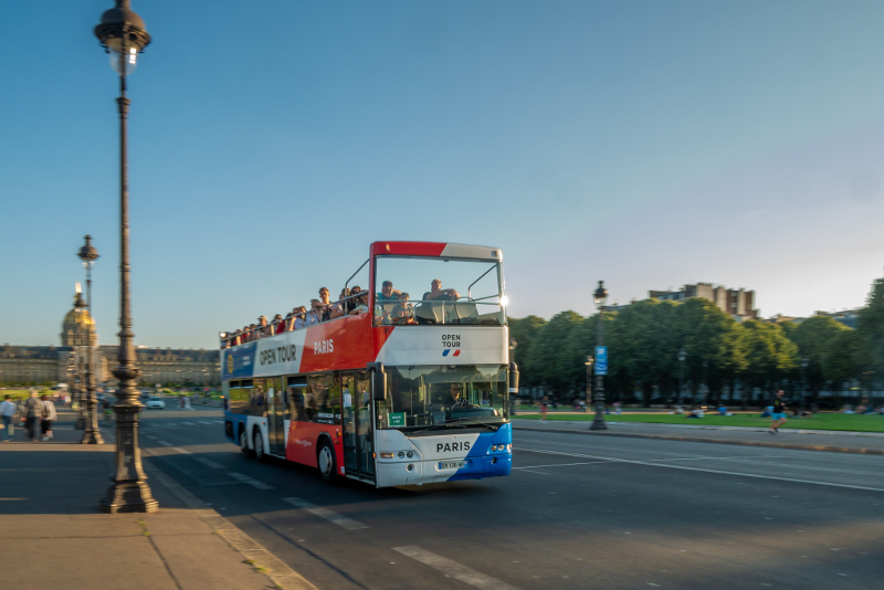 discounted hop on hop off Paris bus tours tickets