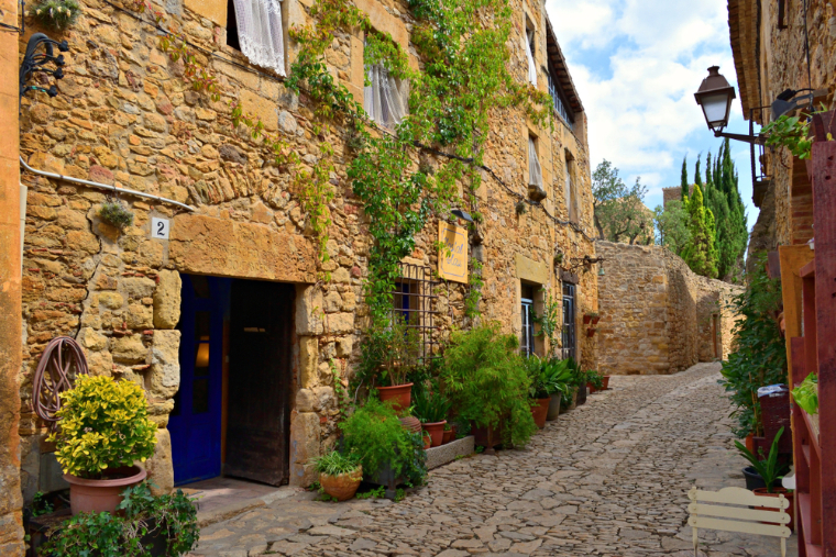Peratallada - day trips from Barcelona
