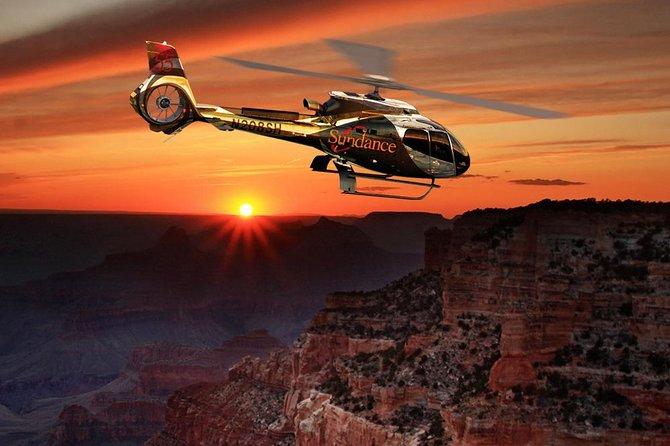 Passeio de helicóptero ao pôr do sol em Grand Canyon