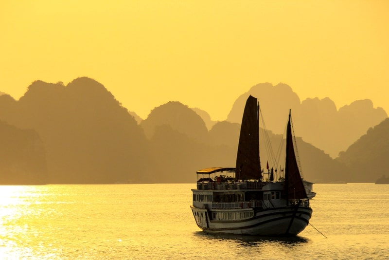 Halong Bay Deluxe Cruise (1-3 Days)
