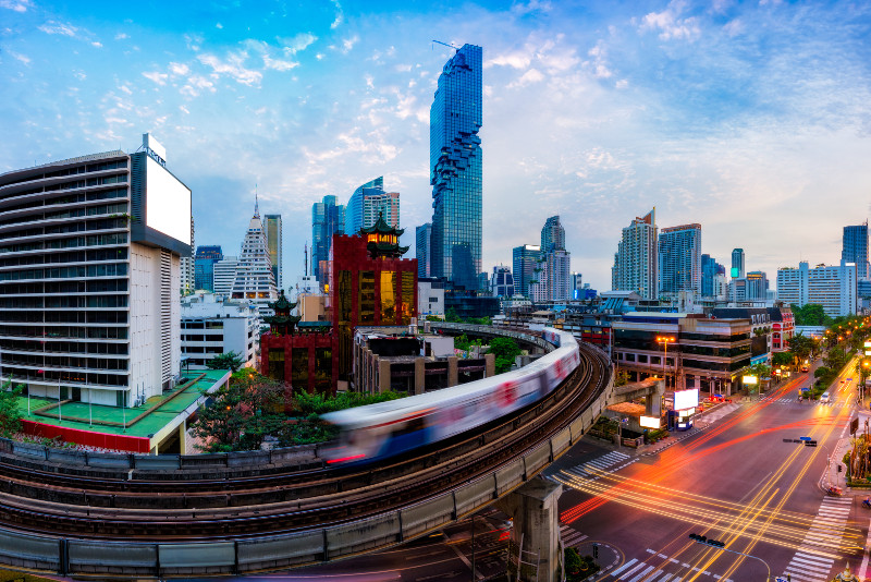 Bangkok in Motion City Highlights Tour by Skytrain, Boat, and Tuk-Tuk