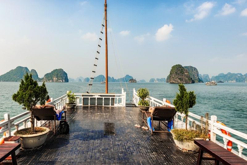 Da Hanoi Halong Bay: fuga di un giorno con pranzo sulla barca