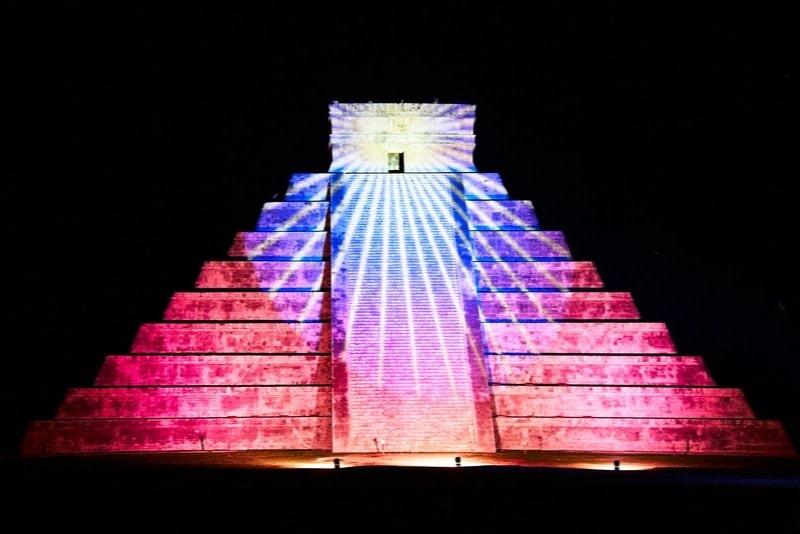 Chichén Itzá mit Licht- und Tonshow aus Merida