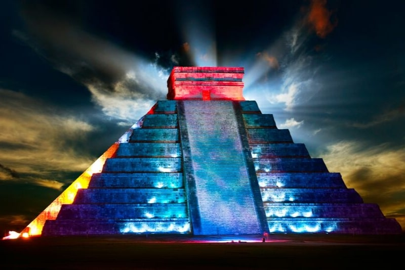 Chichen Itza Light and Sound Show con Cenote Chukum