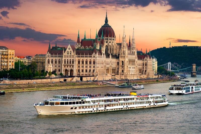 Budapest sightseeing river cruise