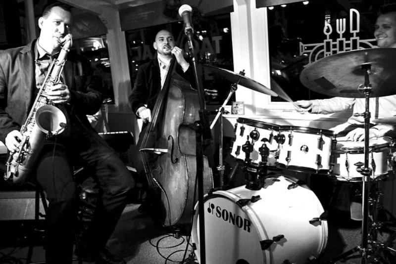 Jazz boat evening cruise