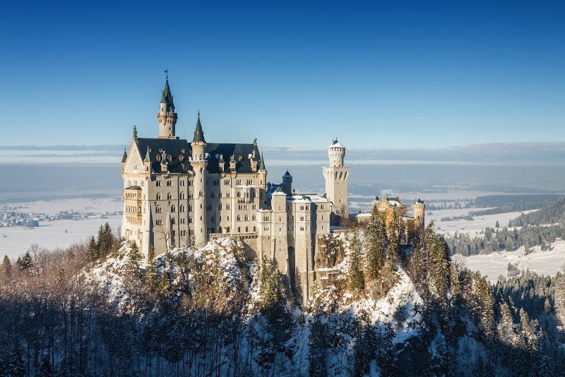 Neuschwanstein Castle best time to visit