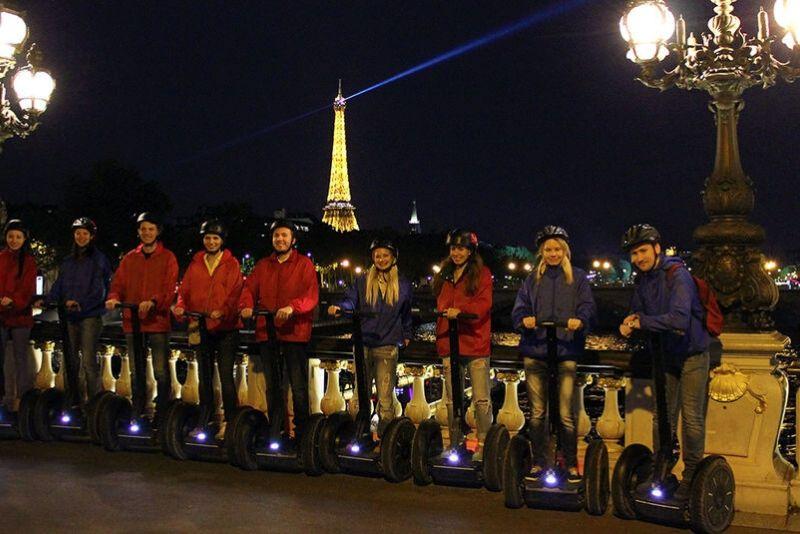 Paris Night Segway Tour en grupo pequeño