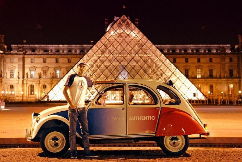 Tour privado nocturno de París en un Open Top 2CV
