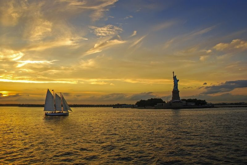 Nueva York: Harbor Night Sail con Live Jazz Band