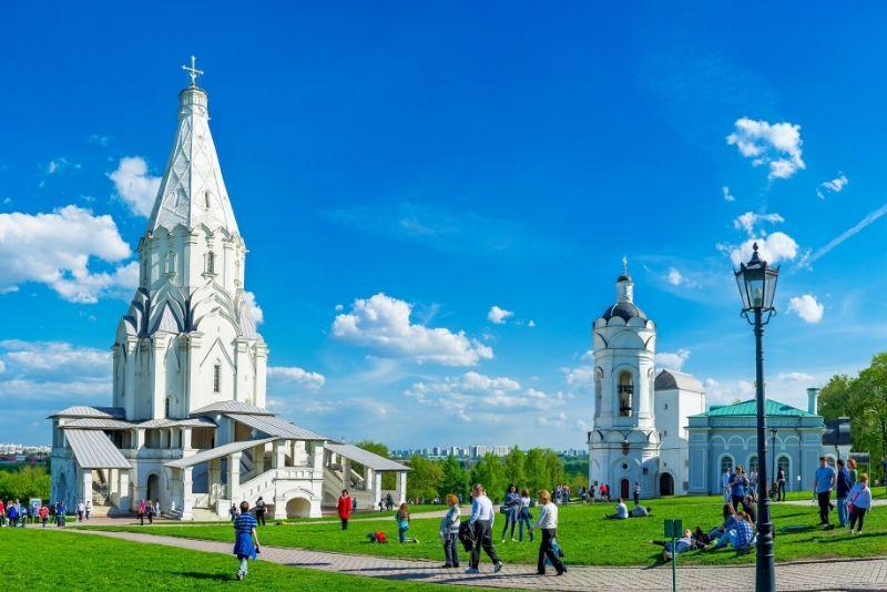 Architecture Tour of Moscow's Metro and Kolomenskoye Estate