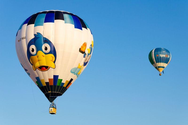 Vuelo en globo aerostático por la mañana en Barcelona con desayuno