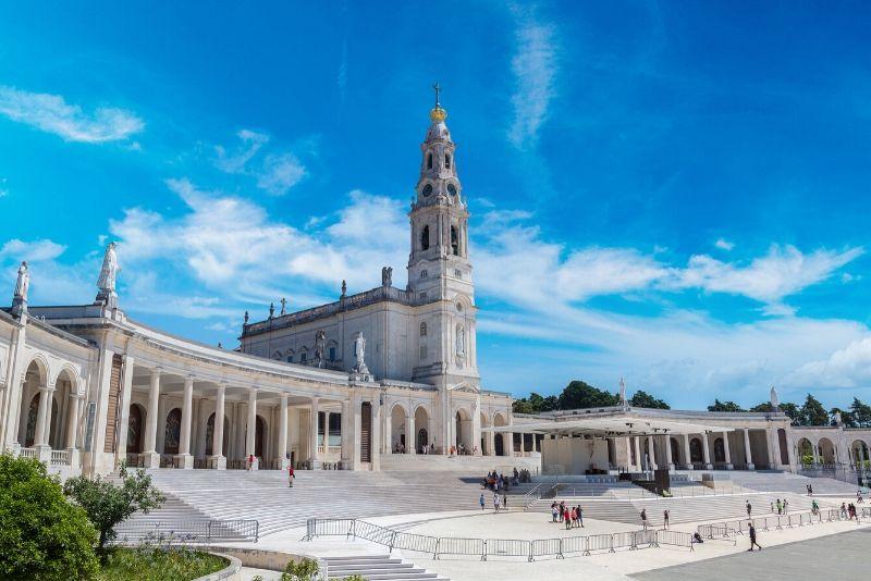 Fátima, Nazaré, and Óbidos Small-Group Day Trip from Lisbon