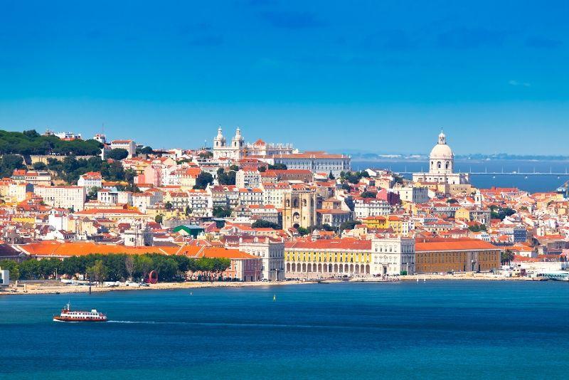 Hop-on Hop-off Boat Lisbon