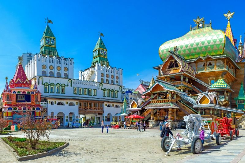 Izmailovo Market and Vodka Museum Tour