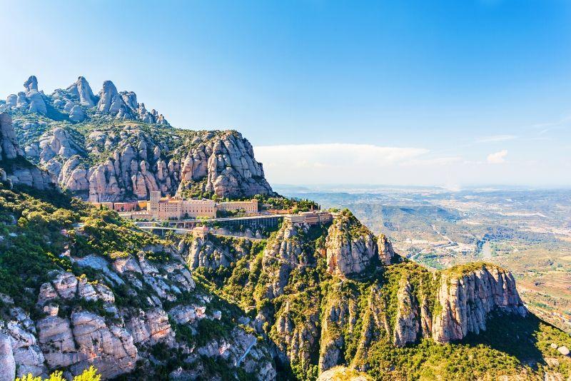 Tour di Montserrat da Barcellona con pranzo e degustazione di vini gourmet