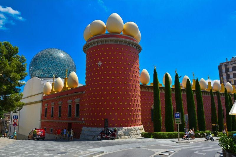 Salvador Dali Museum, Port Lligat, and Cadaques Tour from Barcelona
