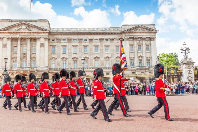 how to book Buckingham Palace last minute tickets