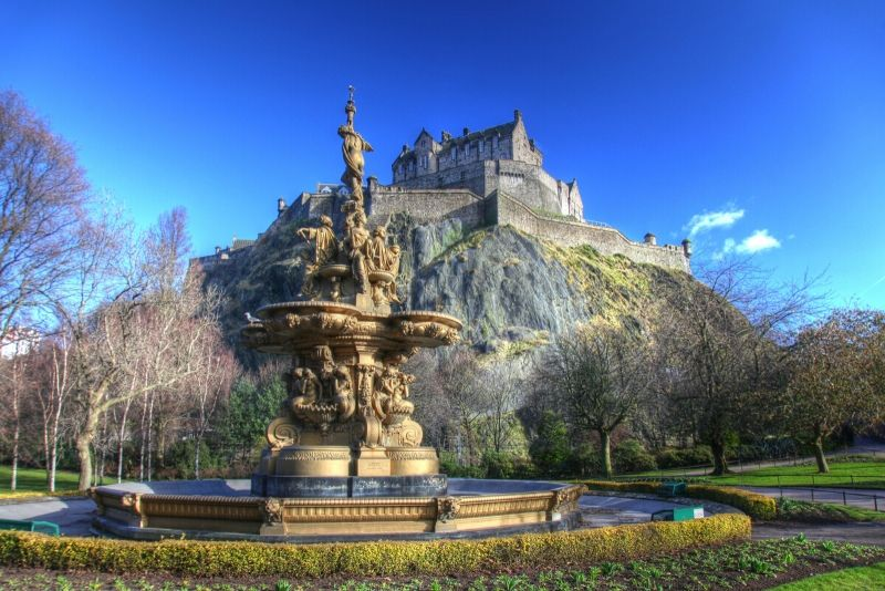 Edinburgh Castle travel tips