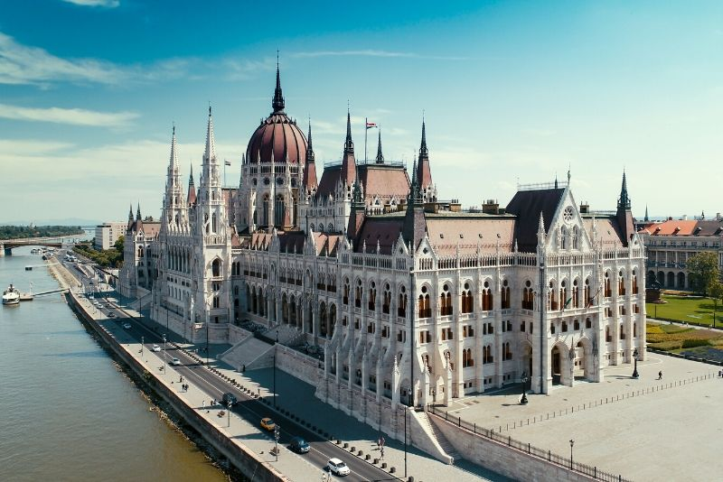 Hungarian Parliament Building opening hours