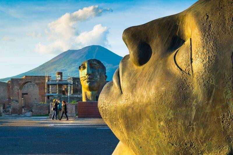 Tour di un'intera giornata a Pompei e sul Vesuvio con pranzo da Napoli