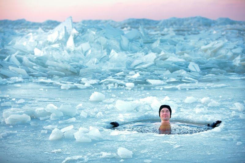 nuoto sul ghiaccio