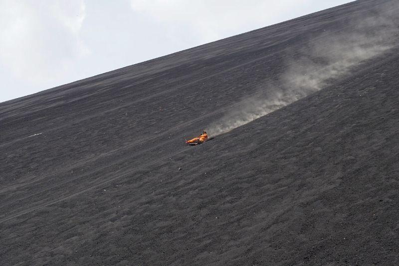 imbarco sul vulcano