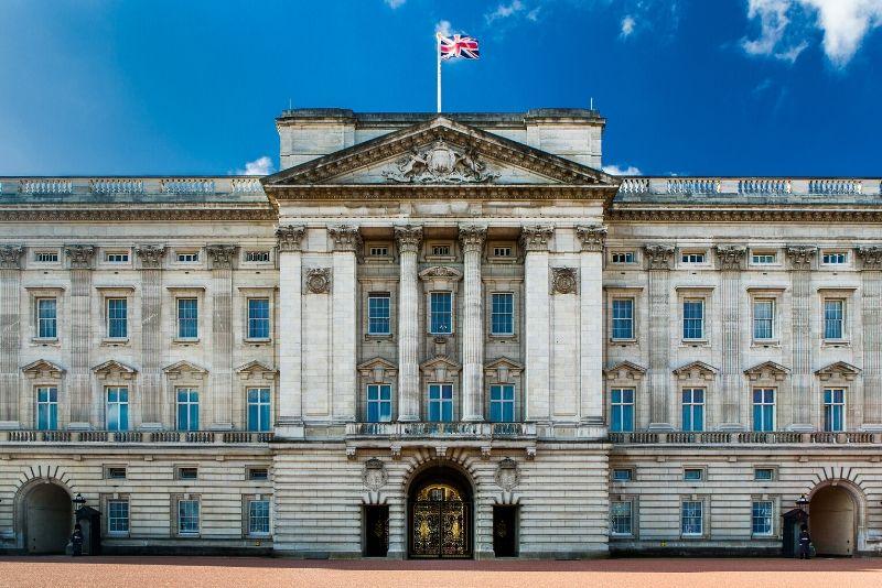 Buckingham Palace, England - best castles in Europe