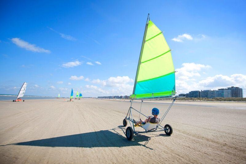 Choses à faire en Belgique #4 Faire du char à voile sur la plage