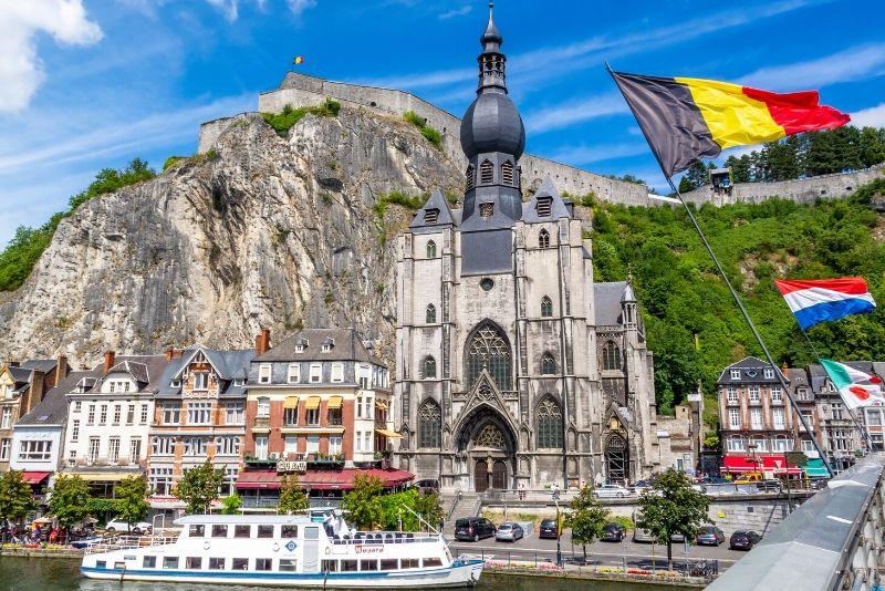 Choses à faire en Belgique #30 Faites un tour de bateau sur la Meuse