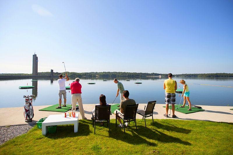 Choses à faire en Belgique #36 Testez l'Aqua Golf des Lacs de l'Eau d'Heure