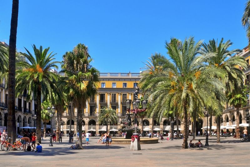 Barcelona Historical Bars Free Tour
