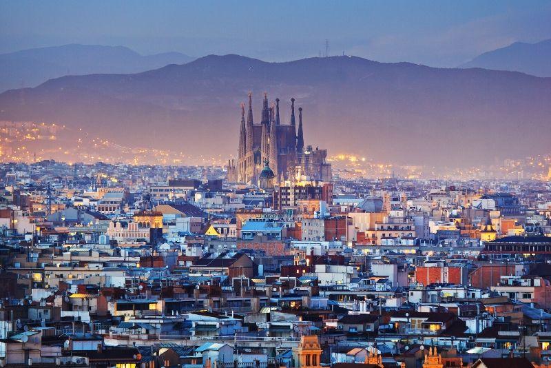 Tour gratis a pie por Barcelona de noche