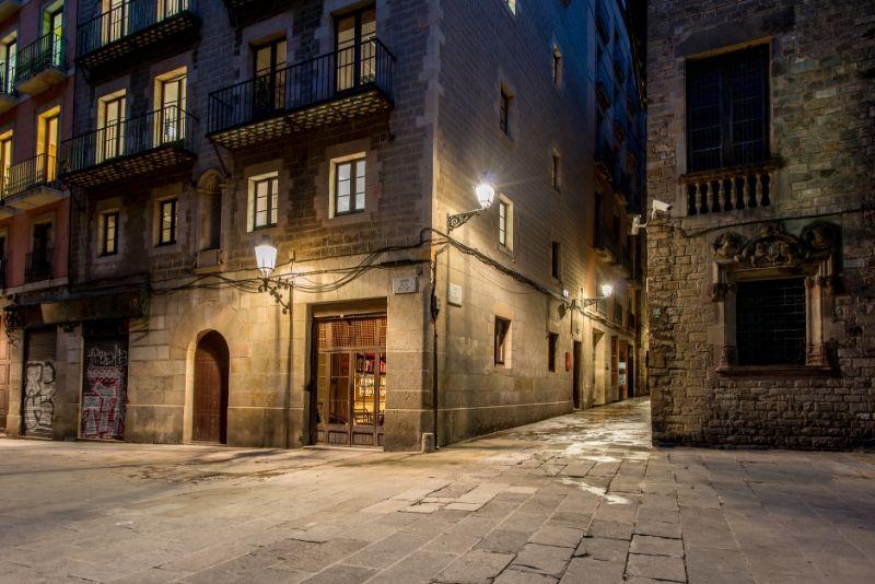 Cursed Barcelona Free Tour