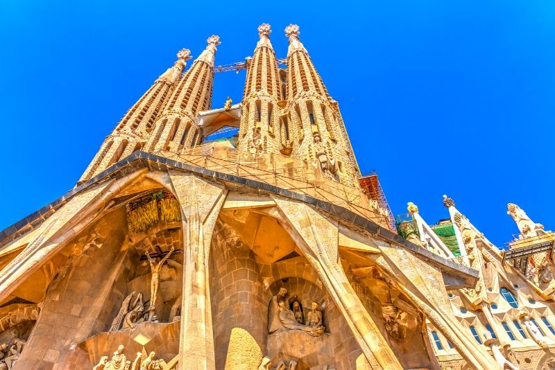 Free Walking Tour of the Sagrada Familia