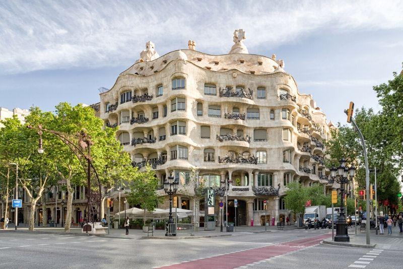 Gaudi and Modernism Free Walking Tour