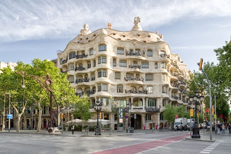Gaudi and Modernism Free Walking Tour
