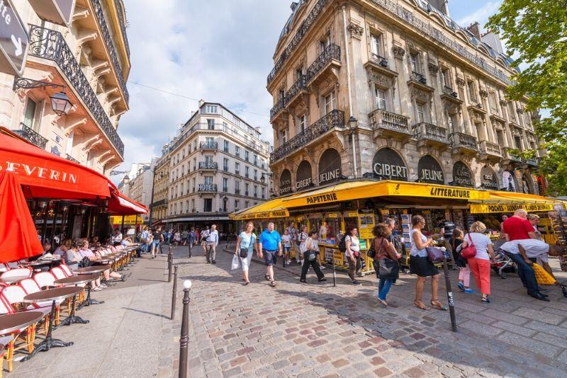 Paris Uncovered - Free Walking Tour