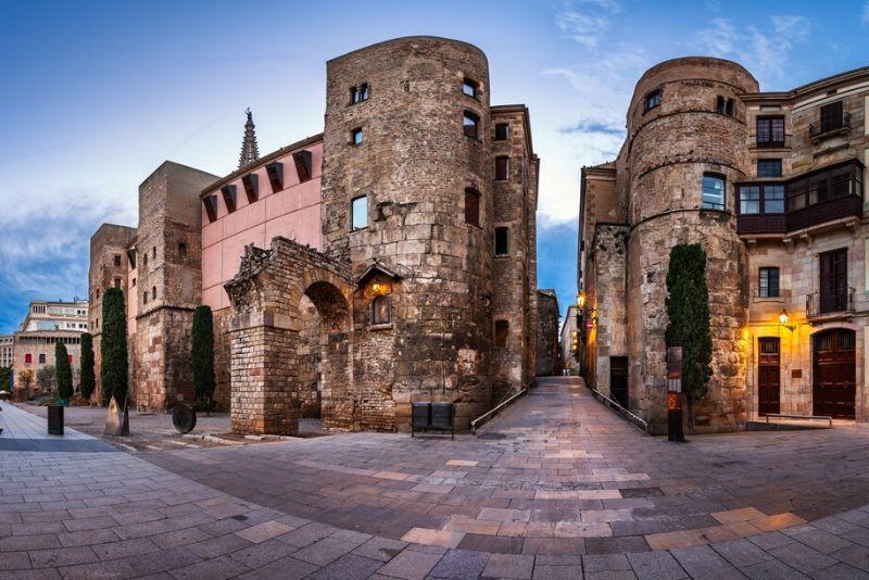 Pasado y presente: vestigios ocultos en Barcelona Free Tour